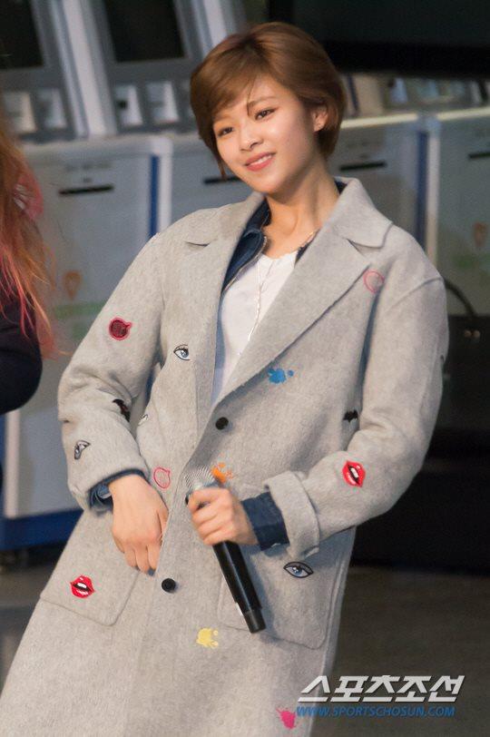 「JYP所属歌手と共に」に出演したTWICEジョンヨン